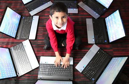 Beş Yaşında Profesyonel Bir Bilgisayar Uzmanı