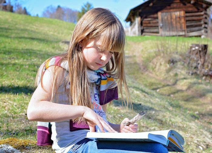 11 Etkili Adımla Kitap Okuyan Çocuklar