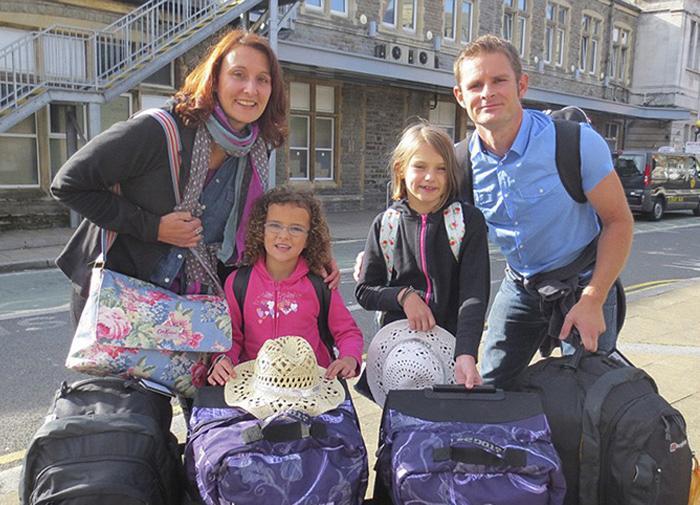 Mobil Sınıf Fikrini Dünya Turuna Çeviren Aile